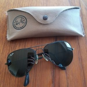 Vintage 1970s Ray Ban Aviator Sunglasses with Case
